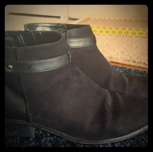 Old Navy black ankle boots